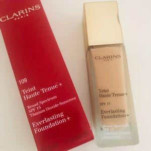 Clarins Everlasting Foundation